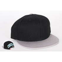 CHOCOLATE CHOCOLATE CAP SNAPBACK NINETY FOUR BLACK